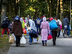 Vluchtelingen verlaten Heumensoord
